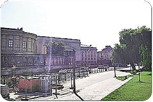Dampferanlegestelle Alte Borse In Berlin Berlinstadtservice