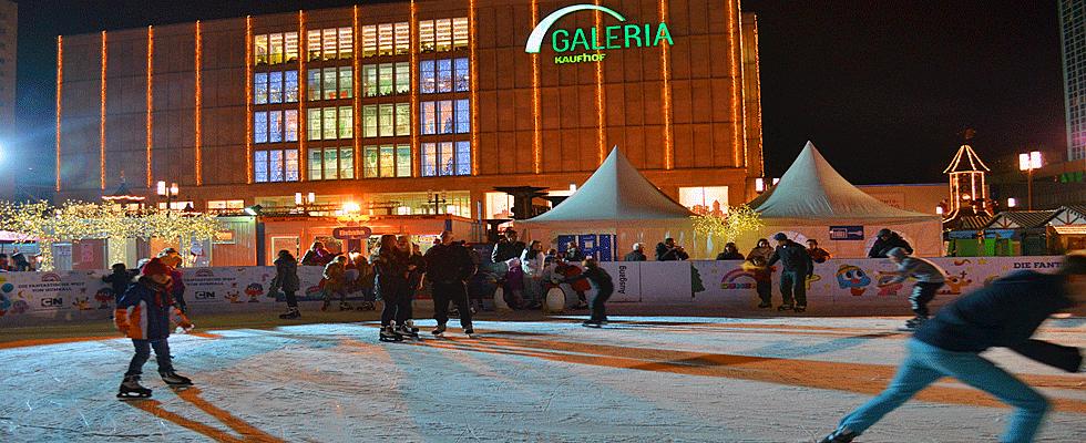 Schlittschuhlaufen Berlin Weihnachtsmarkt.Eisbahn Am Alexanderplatz Eissport Berlinstadtservice