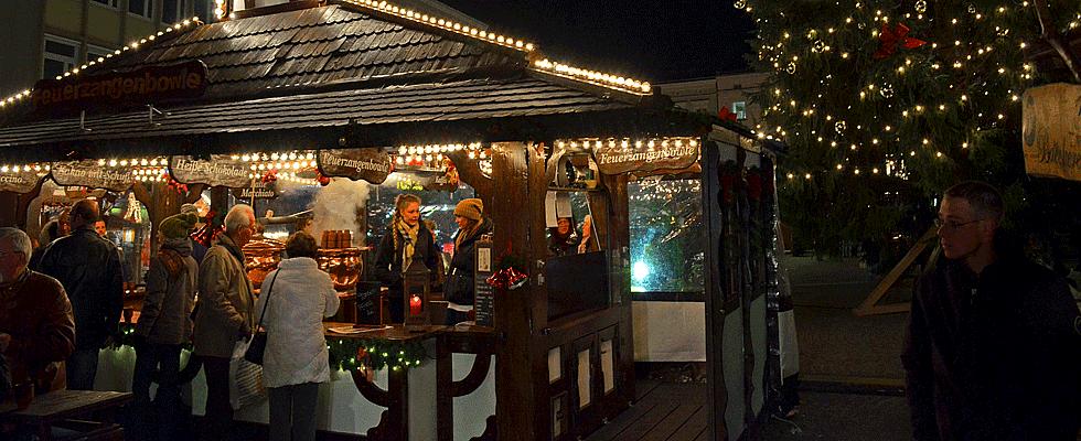 Weihnachtsmarkt Karlshorst.Weihnachtsmarkt Rathaus Lichtenberg Weihnachten Berlinstadtservice